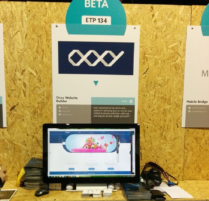 oxxy's presentation stand at the websummit 2014
