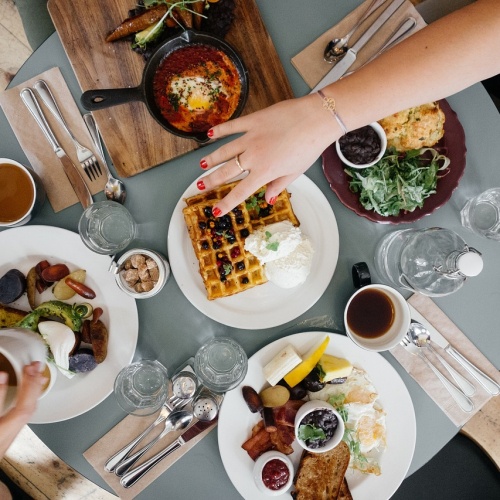How to build a strong restaurant brand