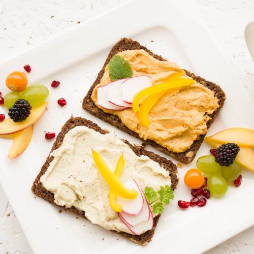 5 здравословни закуски за работната седмица, които спестяват време