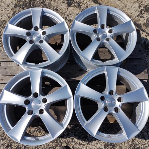 17 джанти 5х114,3 Toyota Cherokee Mazda Nissan Hyundai Kia DEZENT