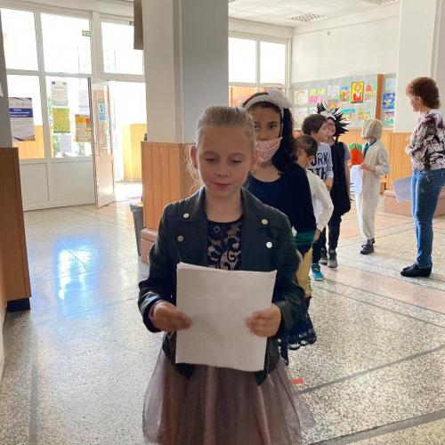 Маратон на четенето с веселата история в горското училище